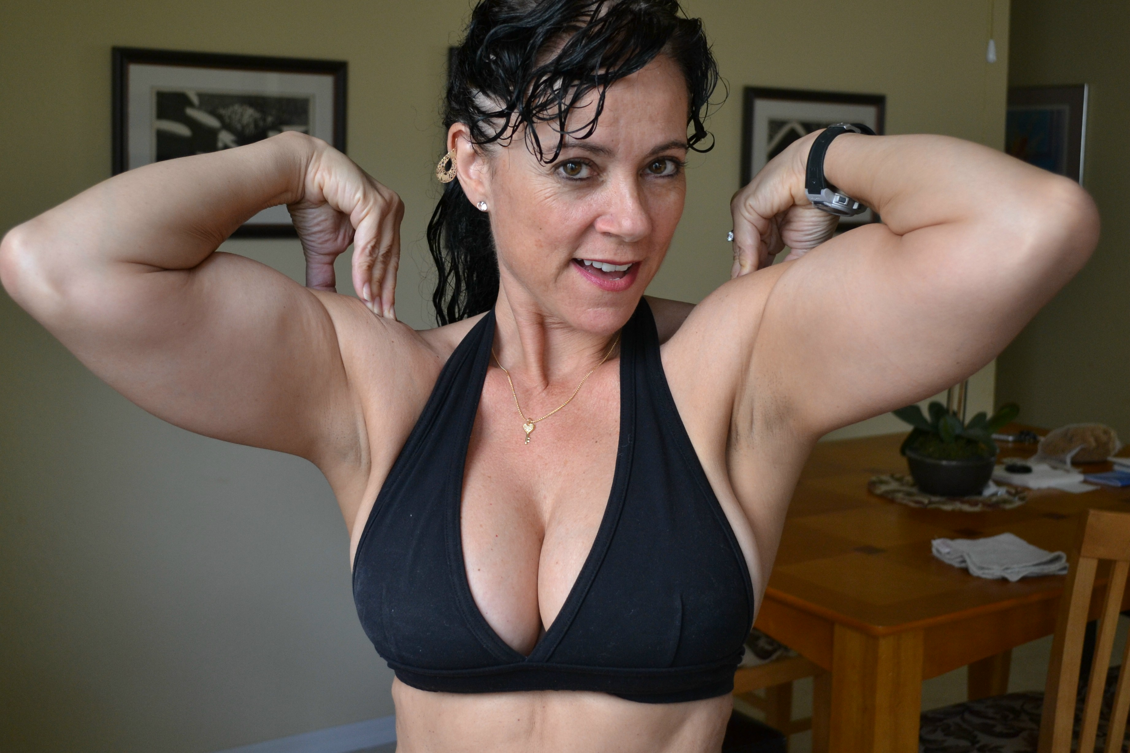 Female mature biceps