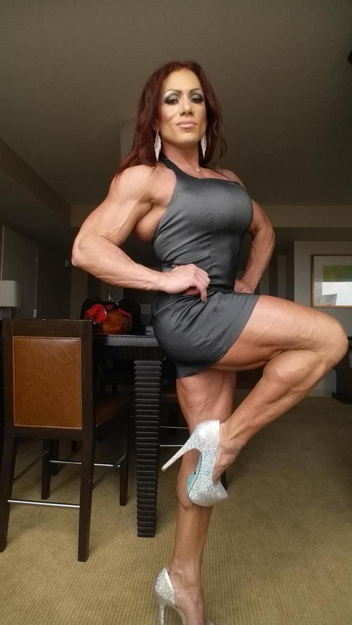 Female bodybuilder nude muscle workout 2