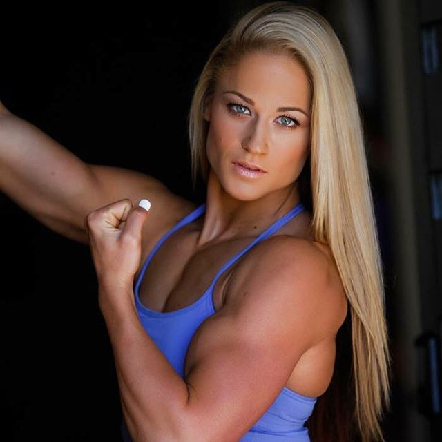 blond-high-school-girls-with-muscles