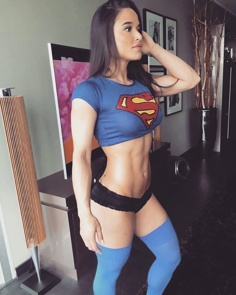 Muscle girl sexy calves slender feets toes 4